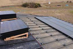 太陽光パネルがある場合の屋根塗装